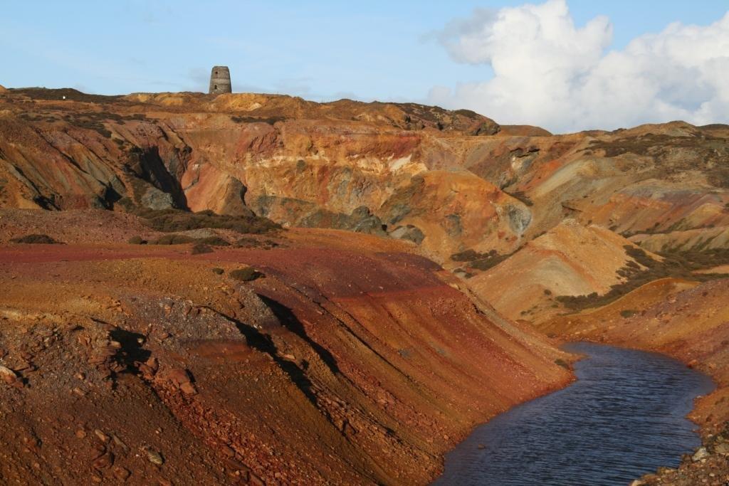 Parys Mountain, a Kuroko-type mineral deposit